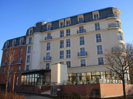 Hotel type residence neuilly bords de marne hotel in for Residence appart hotel paris